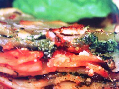 Lasagne s rajčatovou omáčkou a špenátem