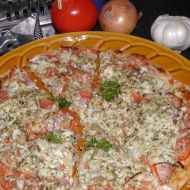 Pizza se slaninou a Nivou recept