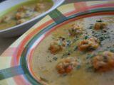 Hrachová polévka s pečenými kuřecími kuličkami recept ...