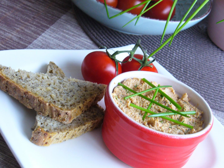 Pomazánka z tofu, mandlí a sezamu recept