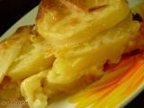 Brambory pečené se sýrem a s máslem. recept