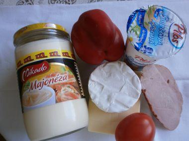 Hermelínový salát se sýrem