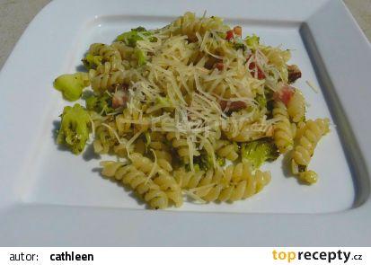 Fusilli s brokolicí a uzeným bůčkem recept