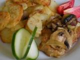 Pečené brambory s masem a žampióny recept