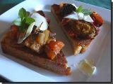 Crostini s lilkem a sýrem recept