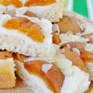 Smetanový koláč s meruňkami recept