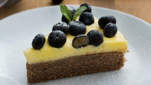 Borůvkový koláč s pudinkovým krémem