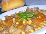 Vepřové kostky s cizrnou a mrkví recept