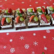 Čokoládové řezy s ovocem recept
