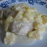 Kuřecí s jablky a kysanou smetanou recept