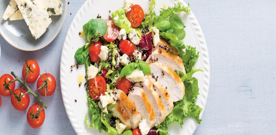 Salát s kuřetem a quinoou
