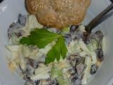 Salát z nakládaných hub s řapíkatým celerem recept