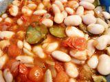 Fazole s rajčátky a okurkou recept