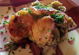 Zapečené brambory s brokolicí a pórkem recept