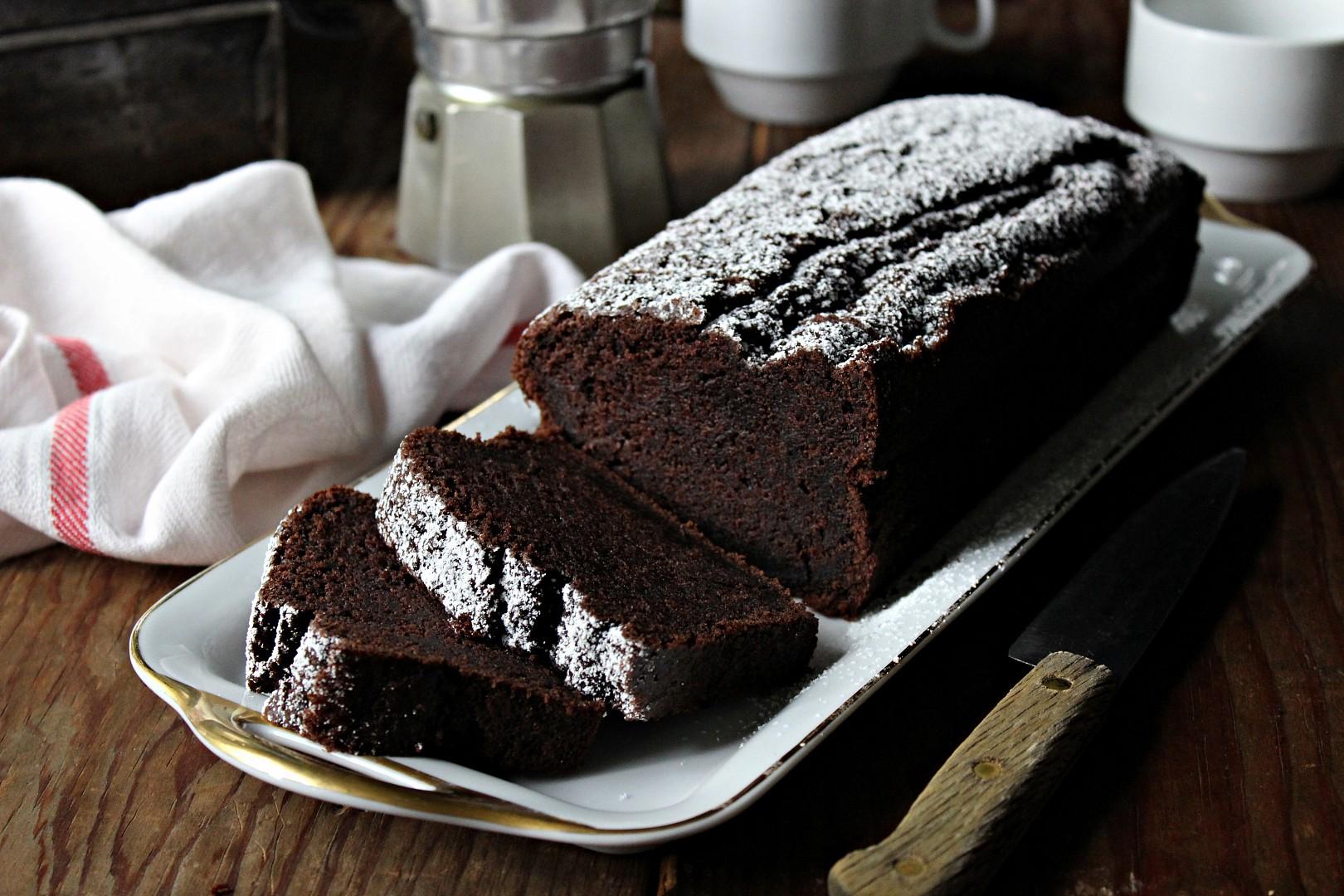 Kakaový chlebíček s černým česnekem recept