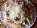 Těstoviny s brokolicí a sýrovou omáčkou recept