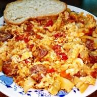 Maďarské lečo s pravou ostrou čabajskou klobásou a vejci recept ...