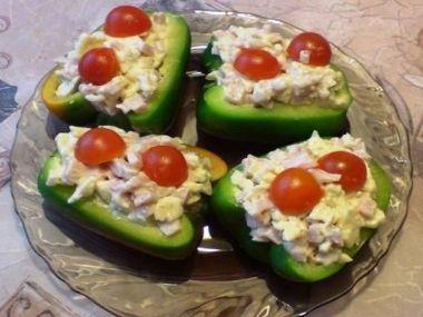 Tradiční bramborový salát s párky