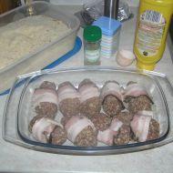 Masové koule obalené slaninou recept