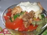 Salát s těstovinou, kuř. masem a yofresh recept