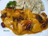 Kuřecí nudličky s lečem a fazolemi recept