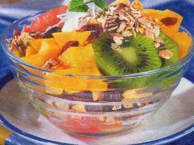 Salát ovocný s müsli