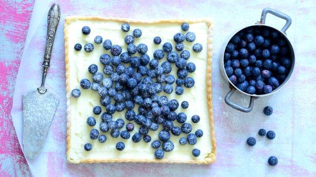 Křehký koláč s borůvkami a mascarpone