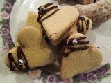 Ořechová srdíčka se žloutkovou polevou recept