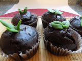Čokoládové muffiny s kandovaným pomerančem a jarním zdobením