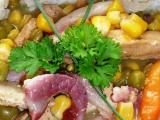 Vepřové nudličky se slaninou na zelenině recept