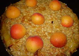 Křupavý meruňkový koláč- (Crumble) recept