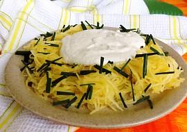 Špagetová dýně s ořechovo-sýrovou omáčkou recept