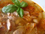 Luxusní polévka z máslových fazolí s tuňákem recept