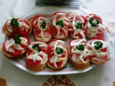 Rajčatové obložené chlebíčky  rychlé pohoštění