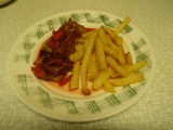 Pečené vepřové plátky s červenou řepou a zeleninou recept ...