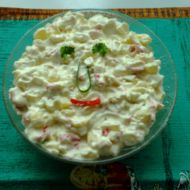 Surimi salát s ananasem recept