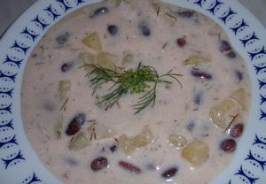 Bramborová polévka s fazolemi  jíšková