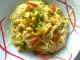 Rýžové nudle s kuřecím masem ála Lucy recept