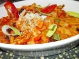 Těstovinový hrnec s fazolemi, pórkem a rajčaty recept
