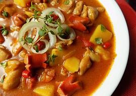 Bramborovo  kuřecí guláš recept