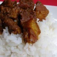 Indické vepřové curry s fazolemi recept