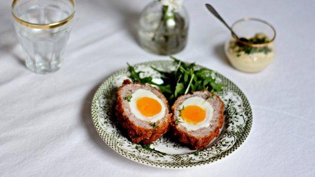 Skotské vejce v bylinkové strouhance