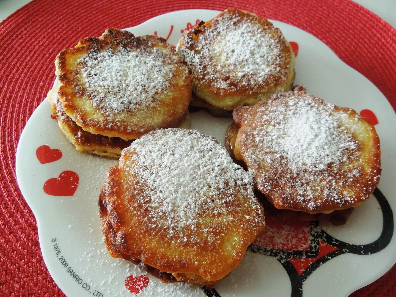 Jablkové lívanečky s polevou recept