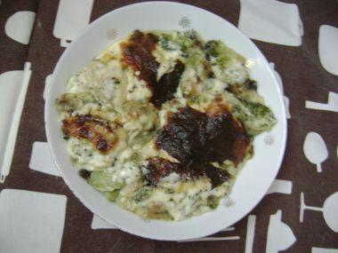 Brokolice zapečená s cibulkou a sýrem