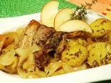 Bůček na cibuli a jablíčkach recept