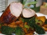 Panenka marinovaná v balzamiku s brokolicí a žlutou mrkví recept ...