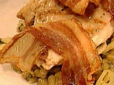 Kuřecí prsa na olivách se slaninou