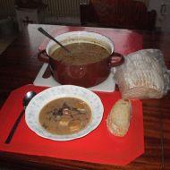 Houbová polévka se zeleninou recept