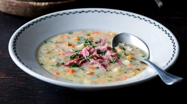 Uzená polévka s praženou krupicí