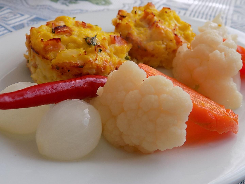 Květákové muffiny se šunkou a sýrem recept